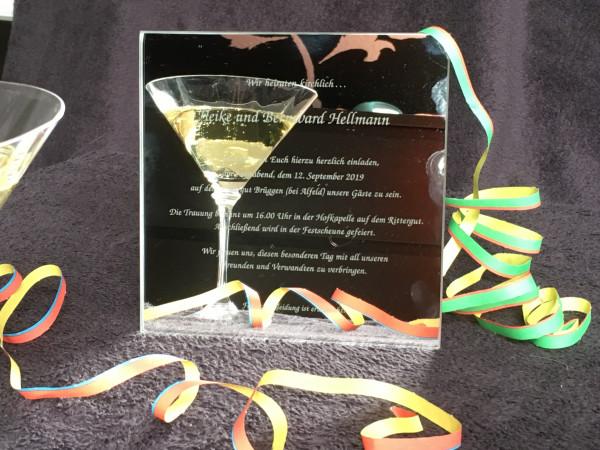 Artikelbild 1 des Artikels Hochzeitskarten aus Glas. Einzigartig, wie das Ereignis, das Sie feiern.